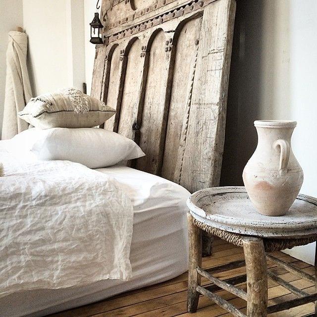 schöner wohnen schlafzimmer ideen für rustikal schlafzimmer einrichtung mit bettkopfteil aus holz mit schnitzerei