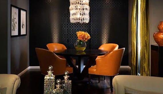schwarze w nde gestalten mit tapeten und mit spot leuchten. Black Bedroom Furniture Sets. Home Design Ideas