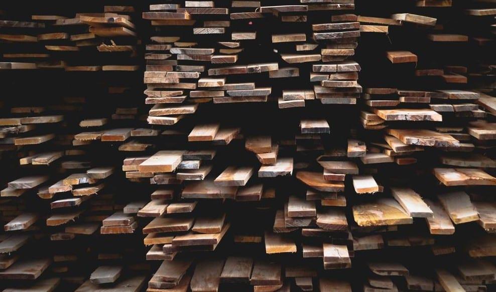 Fußboden aus Eichenholz_echtholzdielen als wohntrend der moderner einrichtung und raumgestaltung