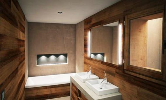 kleines bad ideen für modernes badezimmer mit holzwandverkleidung und akzentbeleuchtung als wandgestaltung