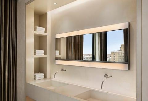 Bad modern gestalten mit licht moderne badezimmer for Badezimmer modern einrichten