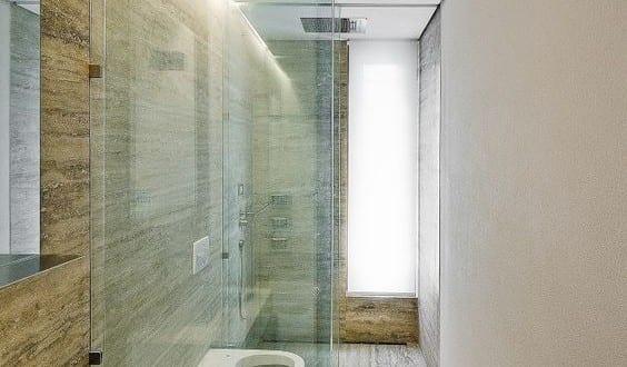 bad modern gestalten mit licht moderne badgestaltung kleines badezimmers mit glastrennwand und. Black Bedroom Furniture Sets. Home Design Ideas