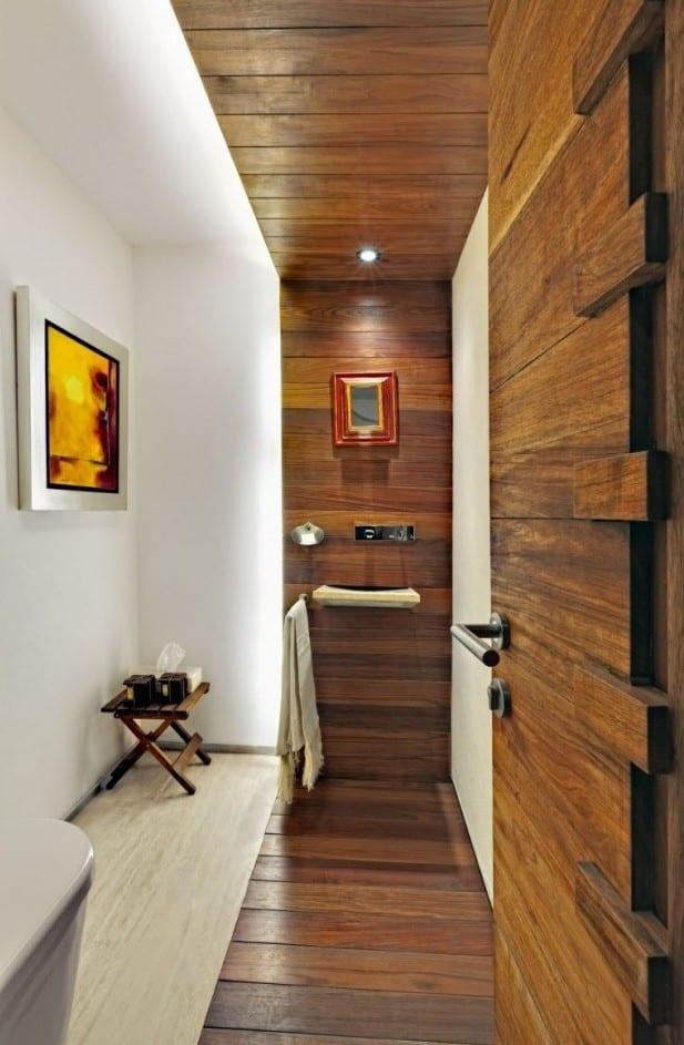 kleines badezimmer ideen mit holz und indirekter beleuchtung