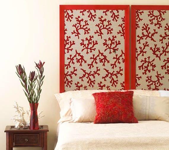 schlafzimmer inspiration für diy bett kopfteil aus wandschirm und schlafzimmer design in rot und weiß