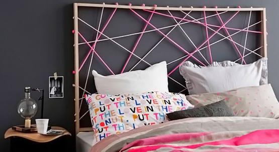 Dunkelbalue Wandfarbe Schlafzimmer Und Diy Bett Kopfteil Aus Rosafarbigen  Seilen Als Coole Schlafzimmer Inspiration Für Mädchen