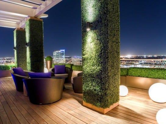 roof top terrassengestaltung ideen mit beleuchtung und säulenbegrünung