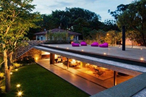 modernes haus mit flachdach als roof top terrasse
