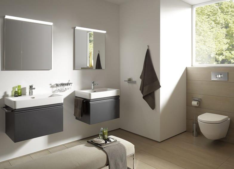 moderner waschtischunterschrank schwarz und badezimmerspiegel mit beleuchtung als wohnidee für moderne und schöne badezimmereinrichtung in beige und weiß