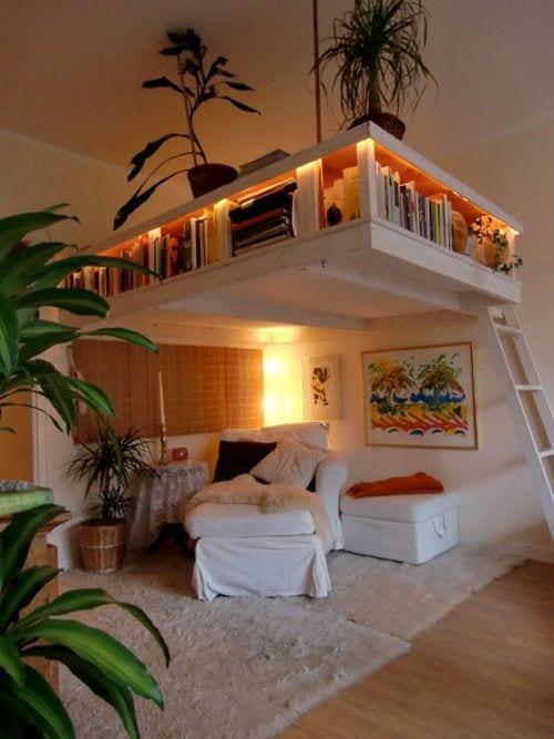 ideen für zimmer einrichten mit sitzecke unter hochbett mit bucherregalen