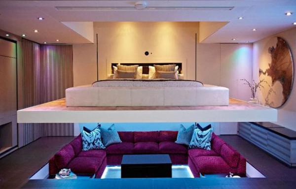 modernes wohnzimmer mit sitzbereich vertieft und hängebett