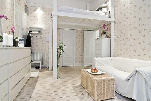 mädchen jugendzimmer einrichten in weiß mit hochbett weiß aus holz über zimmertür
