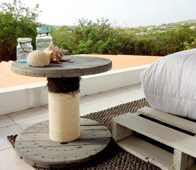 beistelltisch holz terrasse