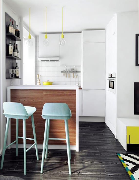 modernes innendesign für kleine küchen mit bar in weiß und pendellampen gelb