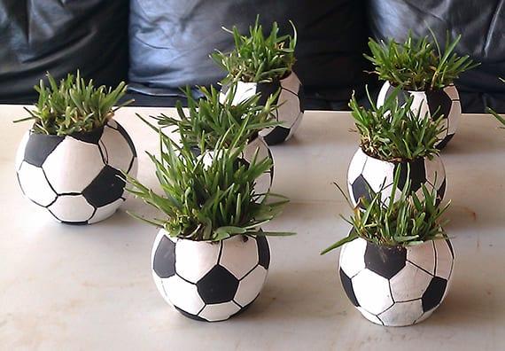 tisch Deckoideen mit diy Dekoration aus gläsern und gras
