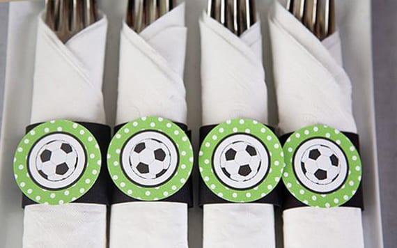 tisch eindecken und servietten falten tisch zur fußball em