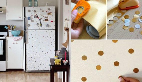 die k che mit diy retro k hlschrank ausstatten der alte k hlschrank mit goldenen punkten neu. Black Bedroom Furniture Sets. Home Design Ideas