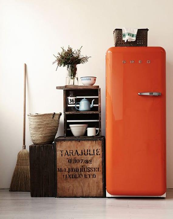 retro küche mit retro kühlschrank in orange_tolle ideen für moderne küchengestaltung im retrostil