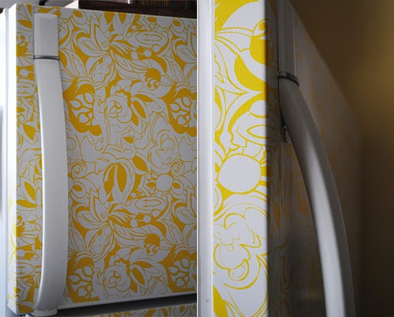 kreative ideen für diy retro kühlschrank mit klebefolie_weißer kühlschrank mit gelben blumenmotiv neu gestalten