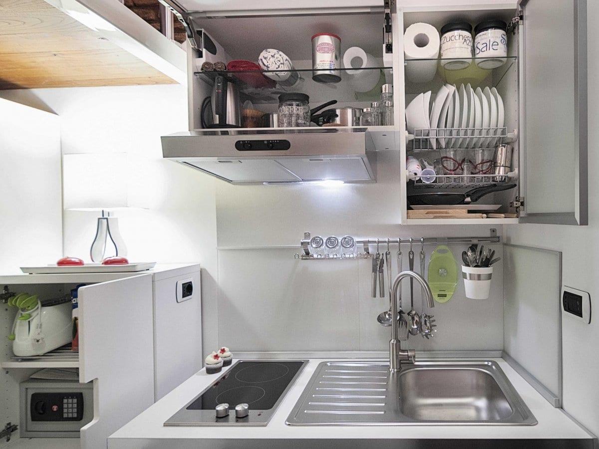 kleiner Küchenschrank mit Spüle und eingebaute Kochplatte für optimale innenausstatung kleiner küchen