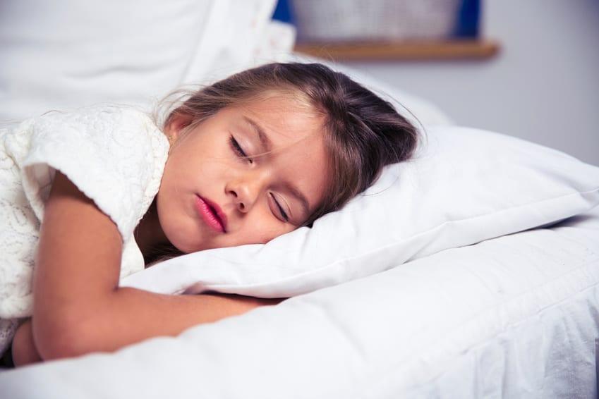 boxspringbett als idee für moderne kinderzimmereinrichtung und gesunden kinderschlaf