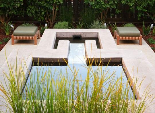 gartengestaltung ideen für traumgarten mit wasser, beton und gras