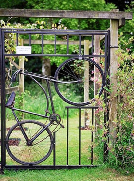 fahrrad als gartentor verwerten_schöner garten ideen