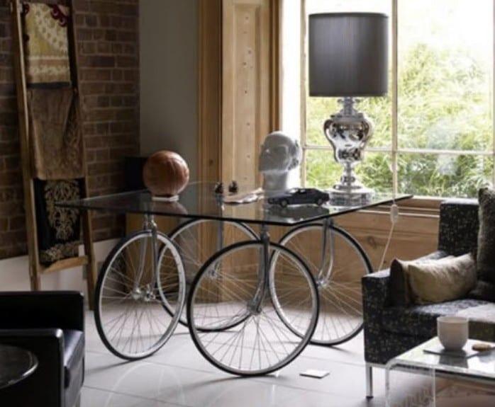 interessante idee für diy möbel und für glastisch selber bauen mit fahrrädern