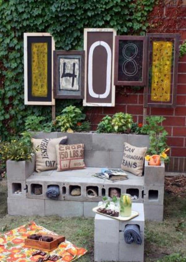 gartengestaltung mit betonziegeln_coole gartendeko mit diy gartenbank und beistelltisch aus hohlsteinen