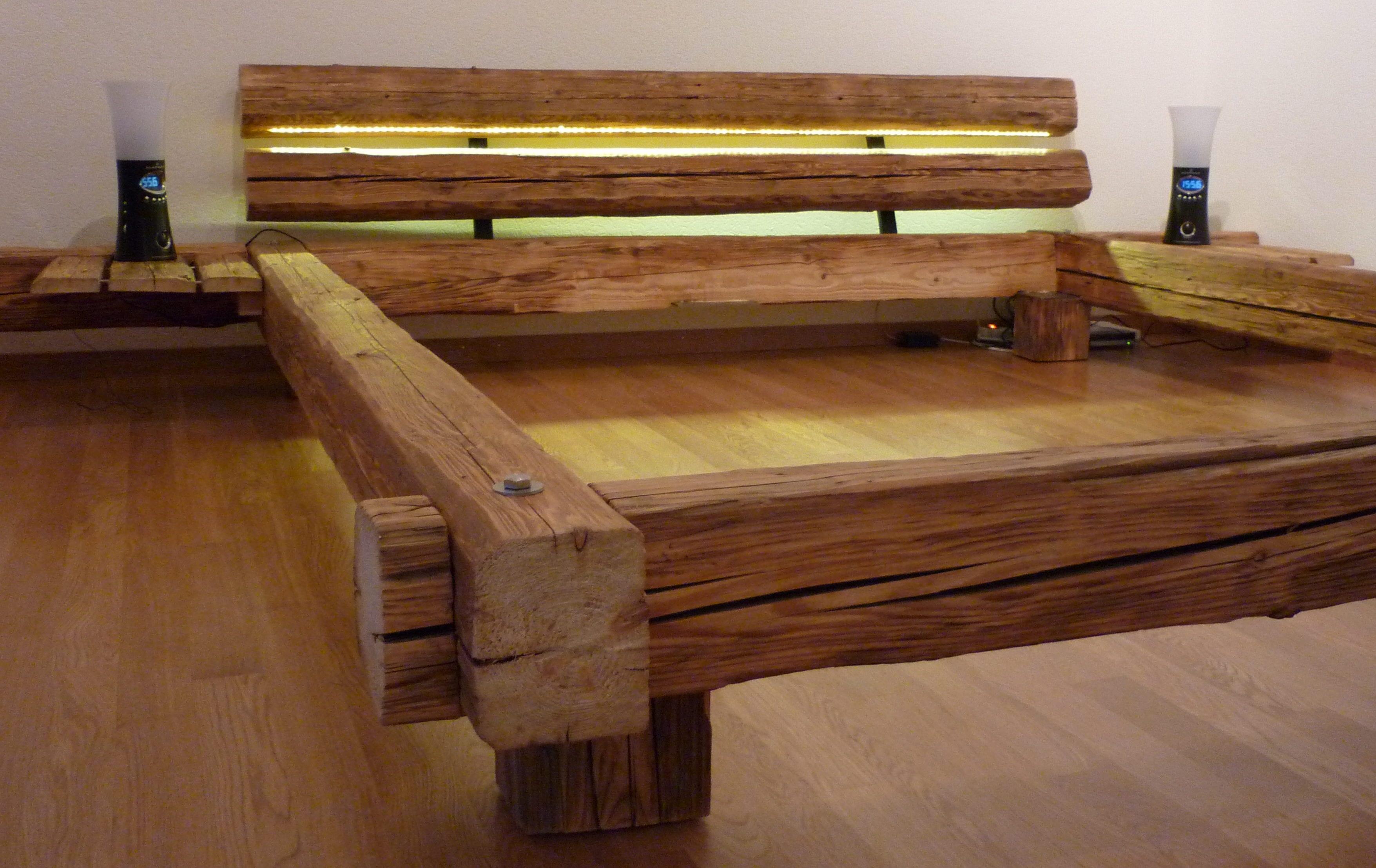 bett massivholz selber bauen mit beleuchtetem kopfteil für gemütliche schlafzimmer einrichtung