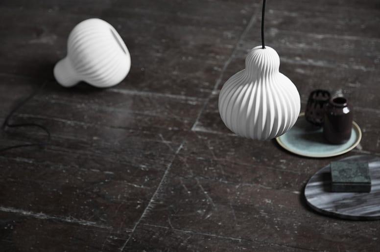 moderne weiße Pendelleuchte aus porzellan für stilvolle küchen- und Wohnesszimmer einrichtung