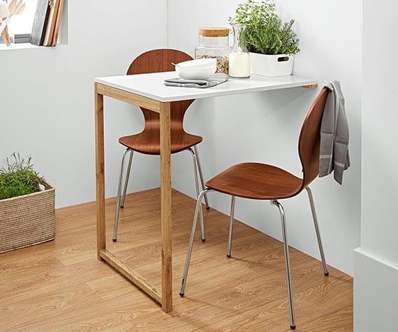 moderne einrichtung kleiner küche mit diy klapptisch wand aus holz