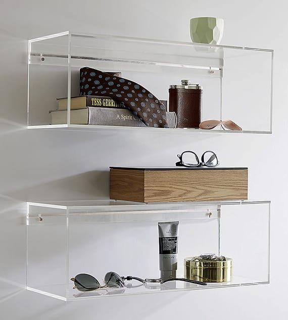 moderne wandgestaltung mit transparenten regalen aus Acrylglas als interessante wohnidee fürs bad, wohnzimmer und den flur