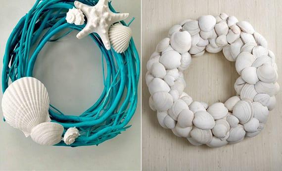 coole wanddeko idee mit DIY Muschel-Türkranz in weiß und blau