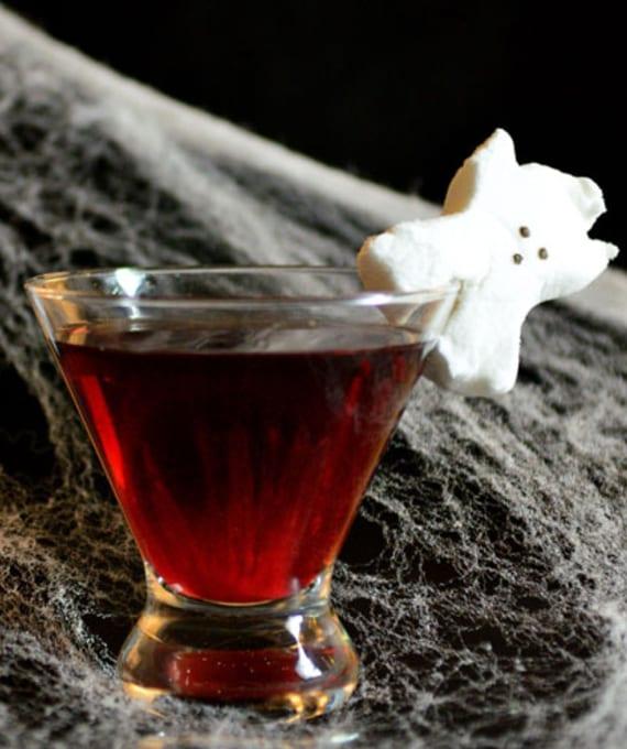kreative halloween ideen für halloween cocktail mit Marshmallow Geist Deko