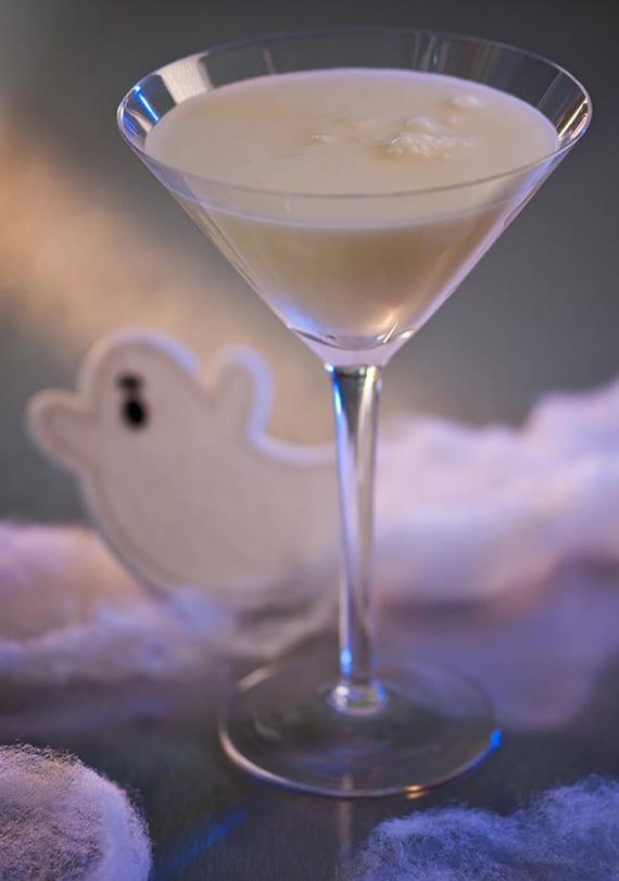 halloween cocktail mit Sahne und wodka