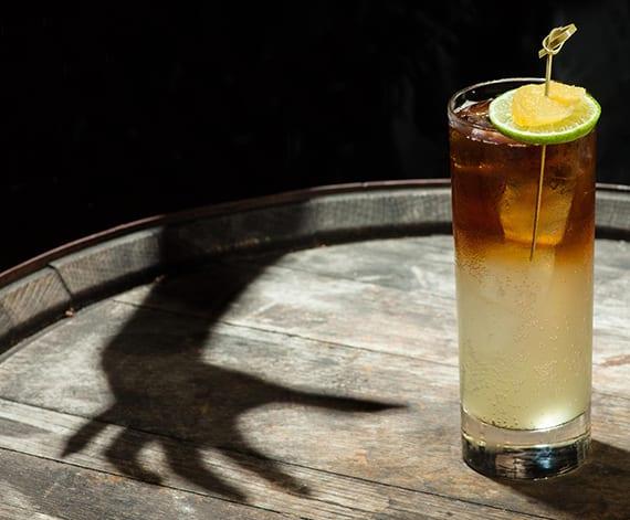 einfache rezepte für coole halloween cocktails