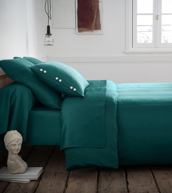 coole schlafzimmer ideen für schlafzimmergestaltung mit satin bettwäsche in grün