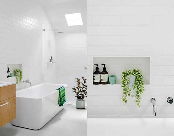 coole badezimmer ideen für moderne badezimmergestaltung mit pflanzen, weißen fliesen und moderner badewanne weiß ünter dachfenster