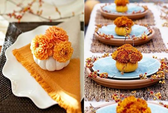 tisch kreativ eindecken mit Blumentopf-Untersetzern, weißen Platztellern und kleinen kürbissen mit orangen blumen