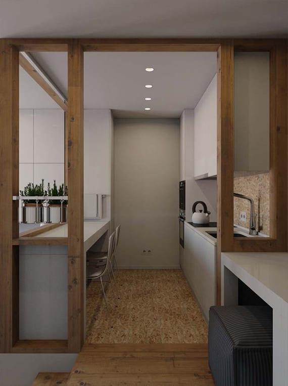beispiel für kleine moderne küche in weiß mit Fußboden und Spritzwand aus Holz,esstisch weiß und eingebauten küchengeräten
