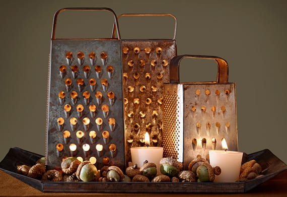 coole hebst deko ideen mit eicheln und kerzen unter Reibeisen_herbstliche tischdeko selber basteln mit naturmaterialien