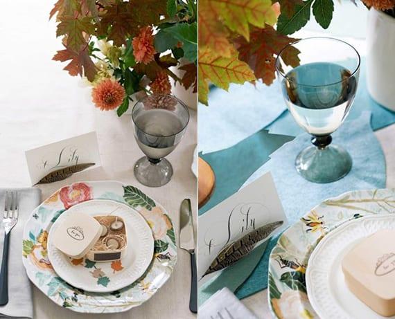 tisch festlich eindecken mit Baumblätter-Strauß, Tischkarte mit Feder und DIY Gastgeschenk im Platzteller