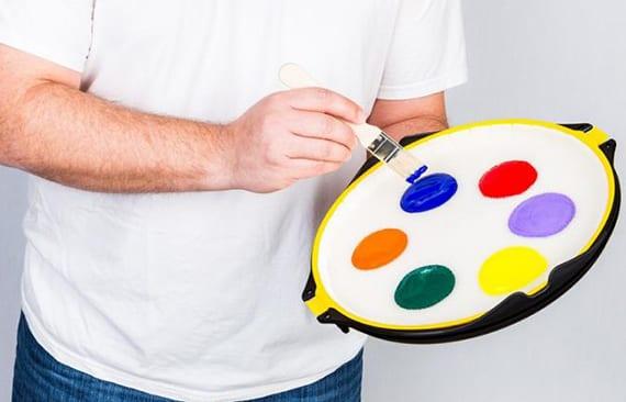 zimmer streichen ohne kleckse mit hilfe von auslaufsichere farbwanne
