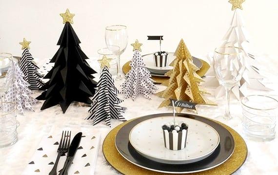 Tannenbaum falten aus verschiedenen materialien freshouse for Festliche tischdeko weihnachten