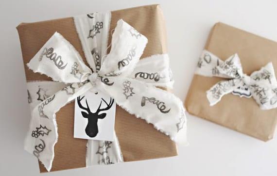 weihnachtliche geschenkverpackungsideen mit diy geschenkband mit wintermotiven