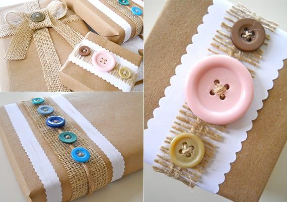 geschenke einpacken in packpapier und mit rupfen und knöpfen dekorieren