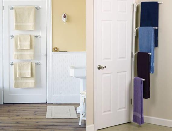 tücher im kleinen bad in ordnung halten dank tuchhalter an der tür oder hinter der tür