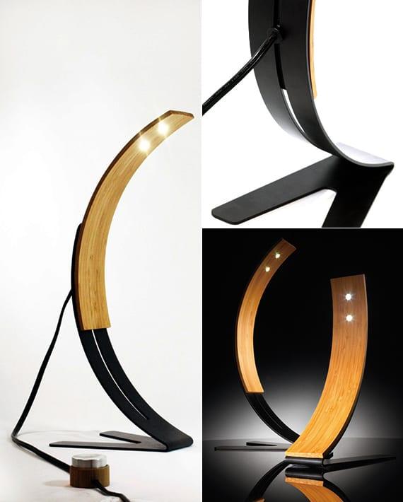 schreibtisch dekorieren und beleuchten mit moderner Lampe aus holz und metall