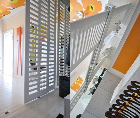begehbare garderobe selber bauen mit schiebbaren wandpanellen holz, wandspiegel, kleiderstange und schuhregal