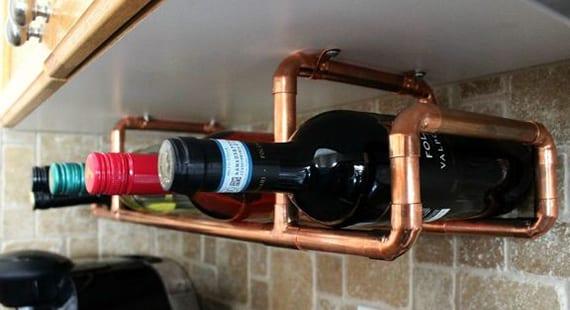 coole idee für aufbewahrung von flaschen in diy weinregal aus kupferröhren